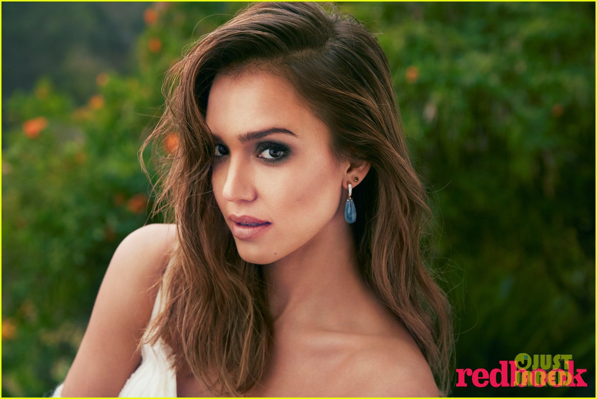 jessica alba covers redbook april 2014 02