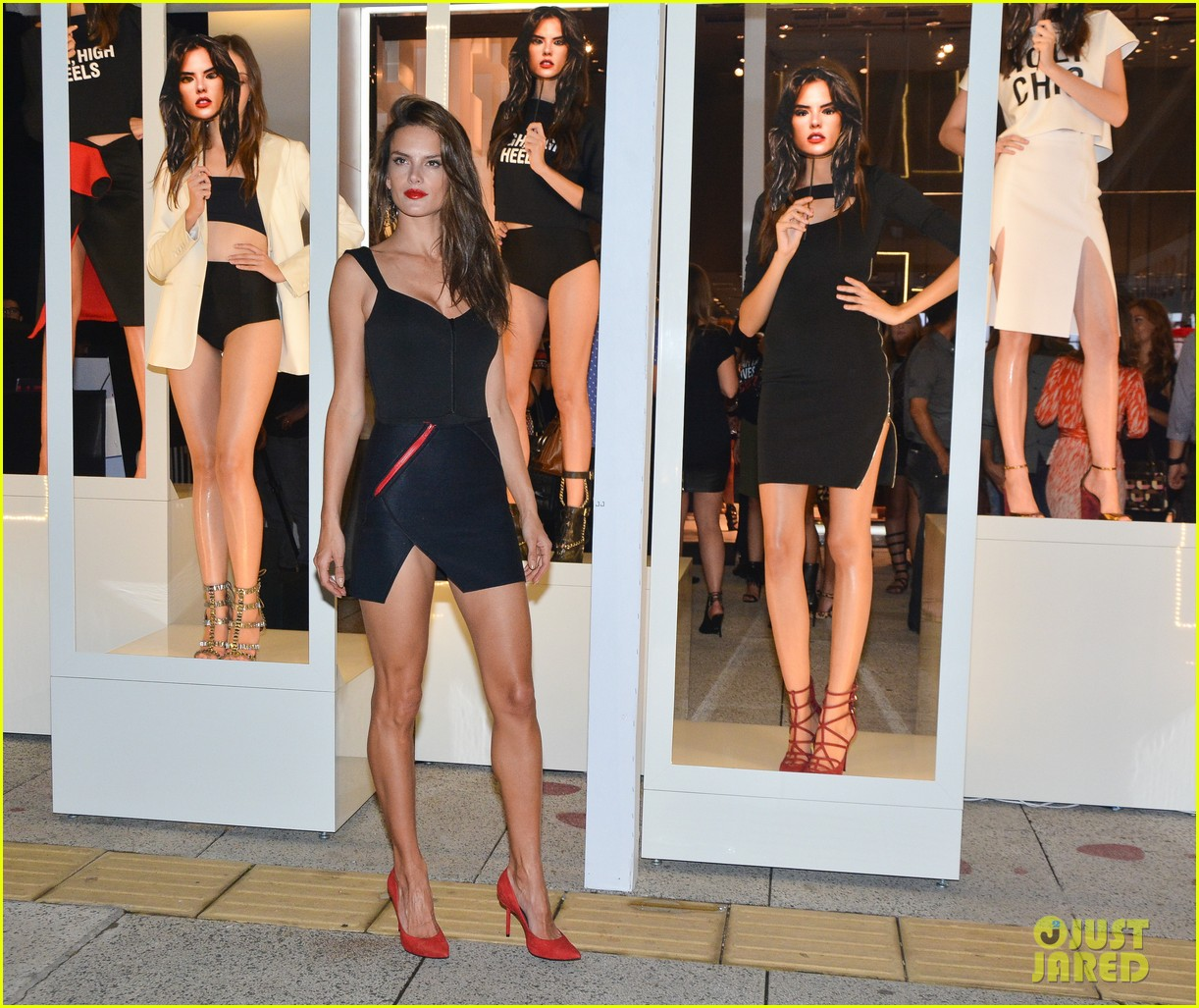 alessandra ambrosio schultz winter collection 2014 073074650