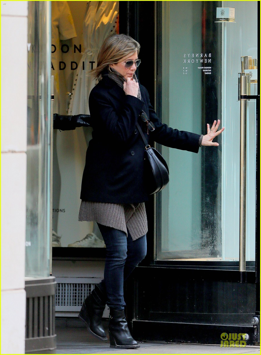 jennifer aniston justin theroux spotted in nyc 053069504