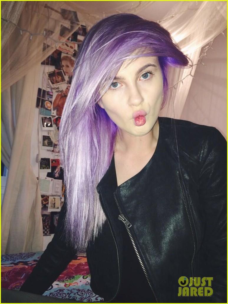 ireland baldwin dyes her hair purple 053066860