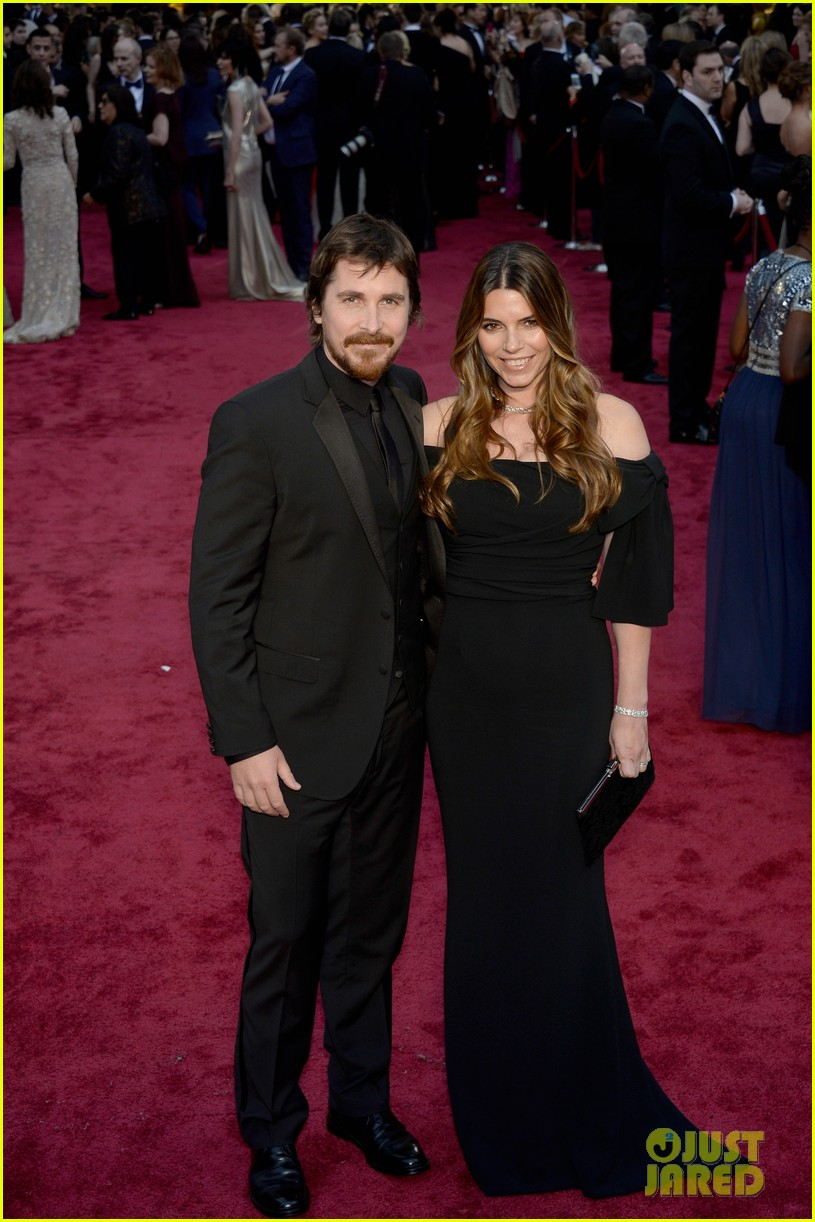 christian bale wife sibi blazic oscars 2014 red carpet 01