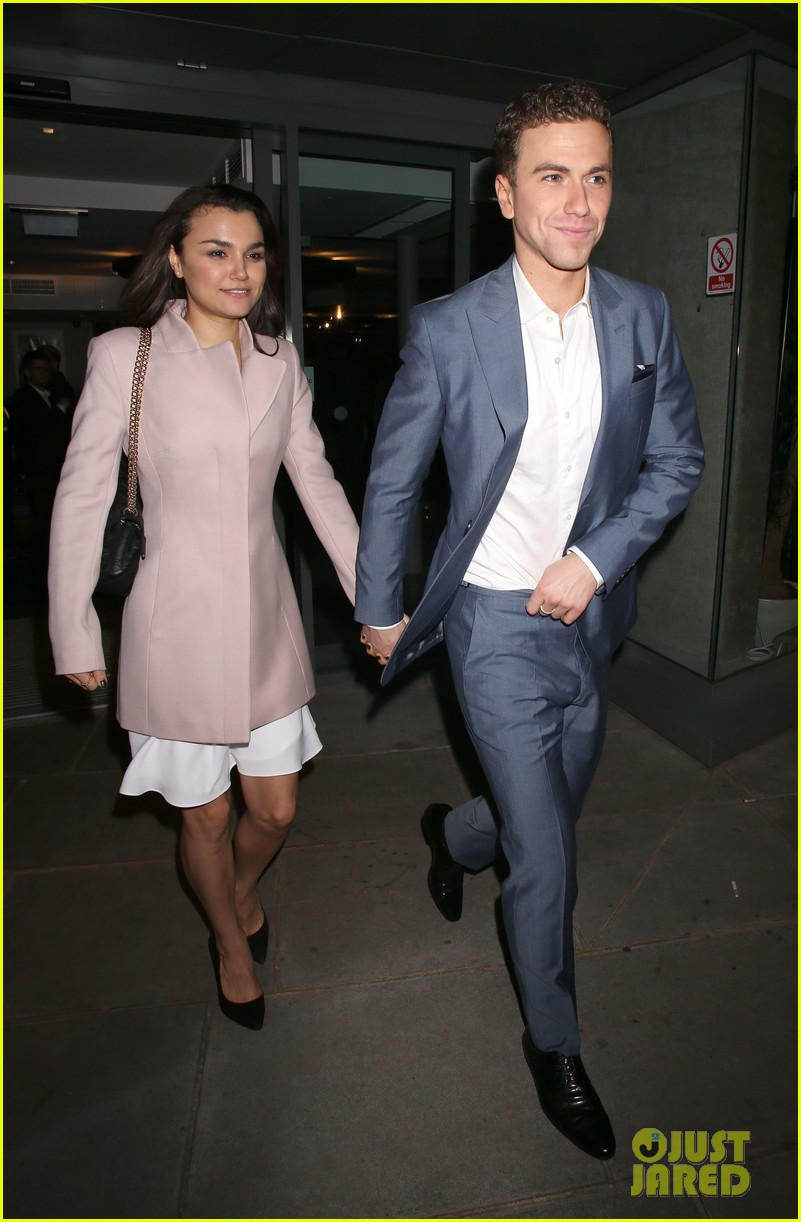 samantha barks supports richard fleeshman at his show urinetowns press night 043070386