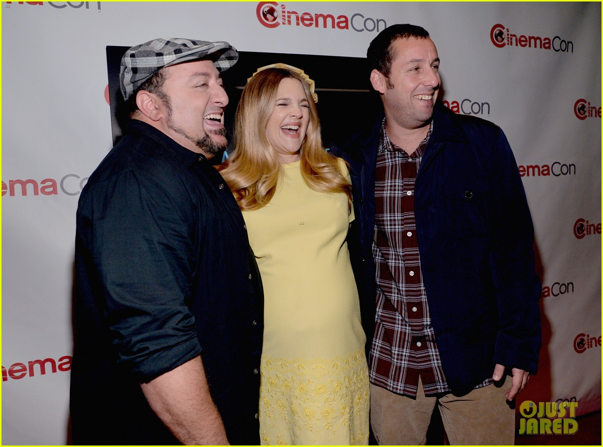 drew barrymore flaunts massive baby bump cinemacon 173079936