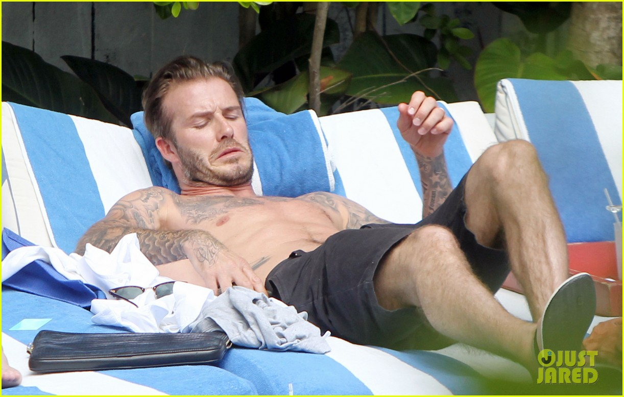 shirtless pictures of david beckham is quite the friday treat 09