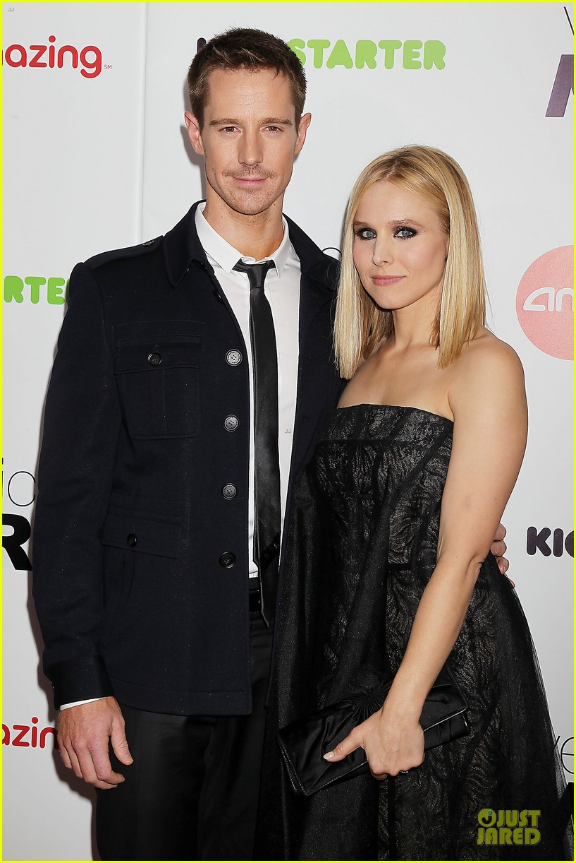 kristen bell chris lowell glam up the veronica mars nyc screening 02