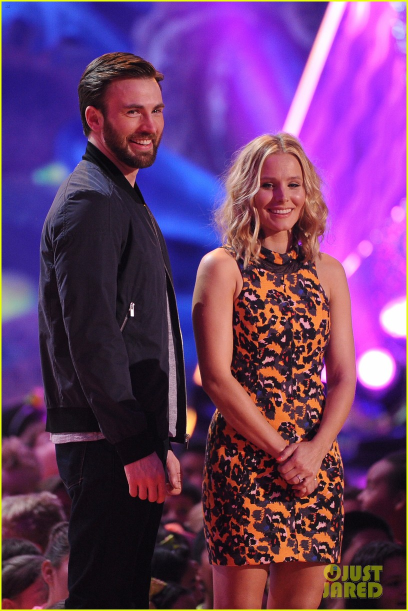 chris evans kristen bell present at kids choice awards 2014 03