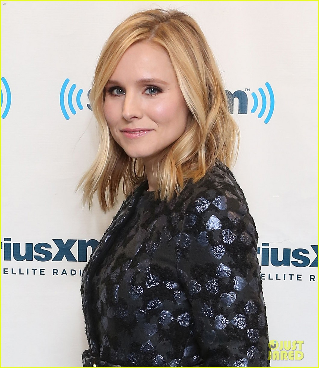 kristen bell it's more interesting to watch a female 013070276
