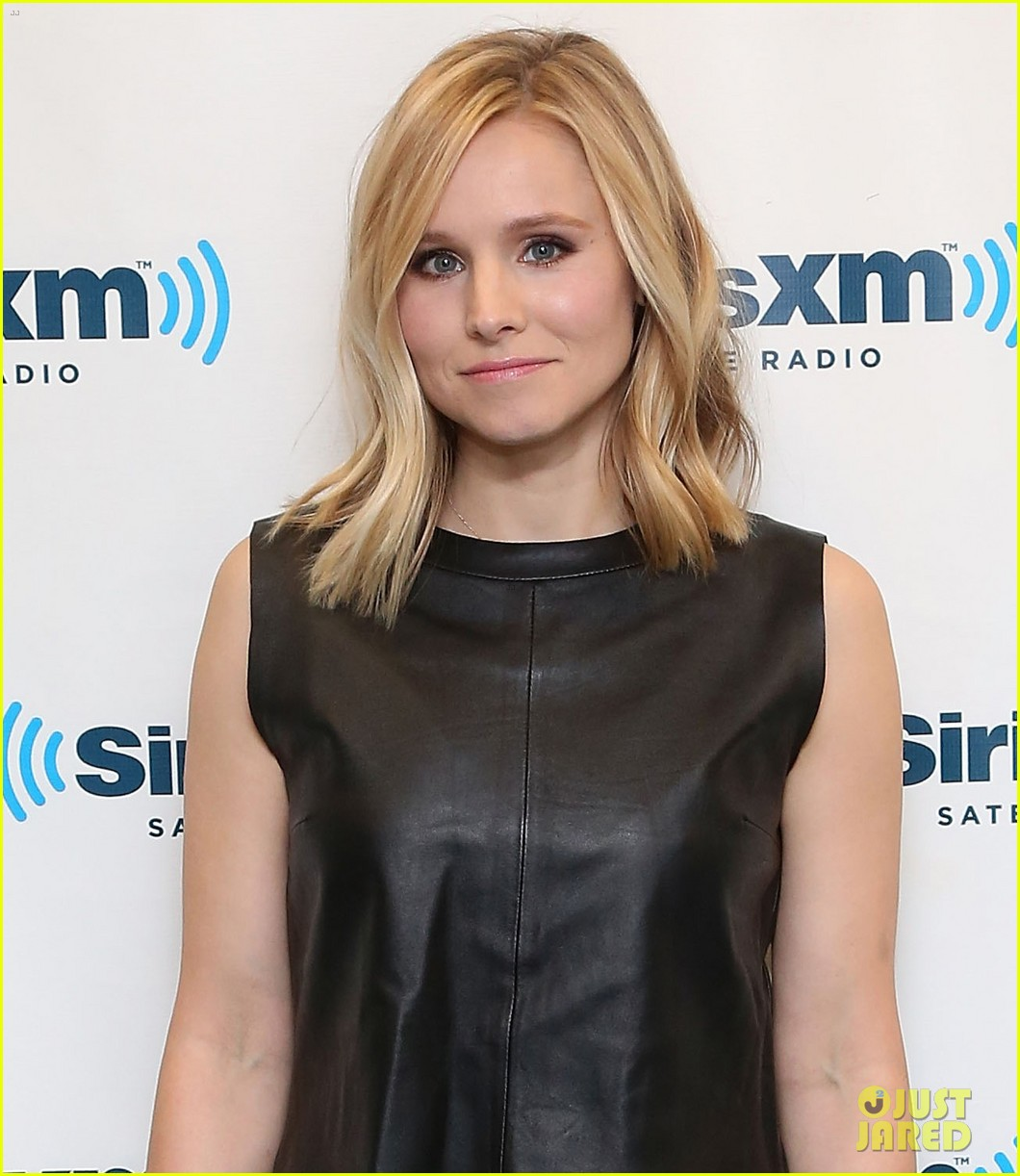 kristen bell it's more interesting to watch a female 043070279