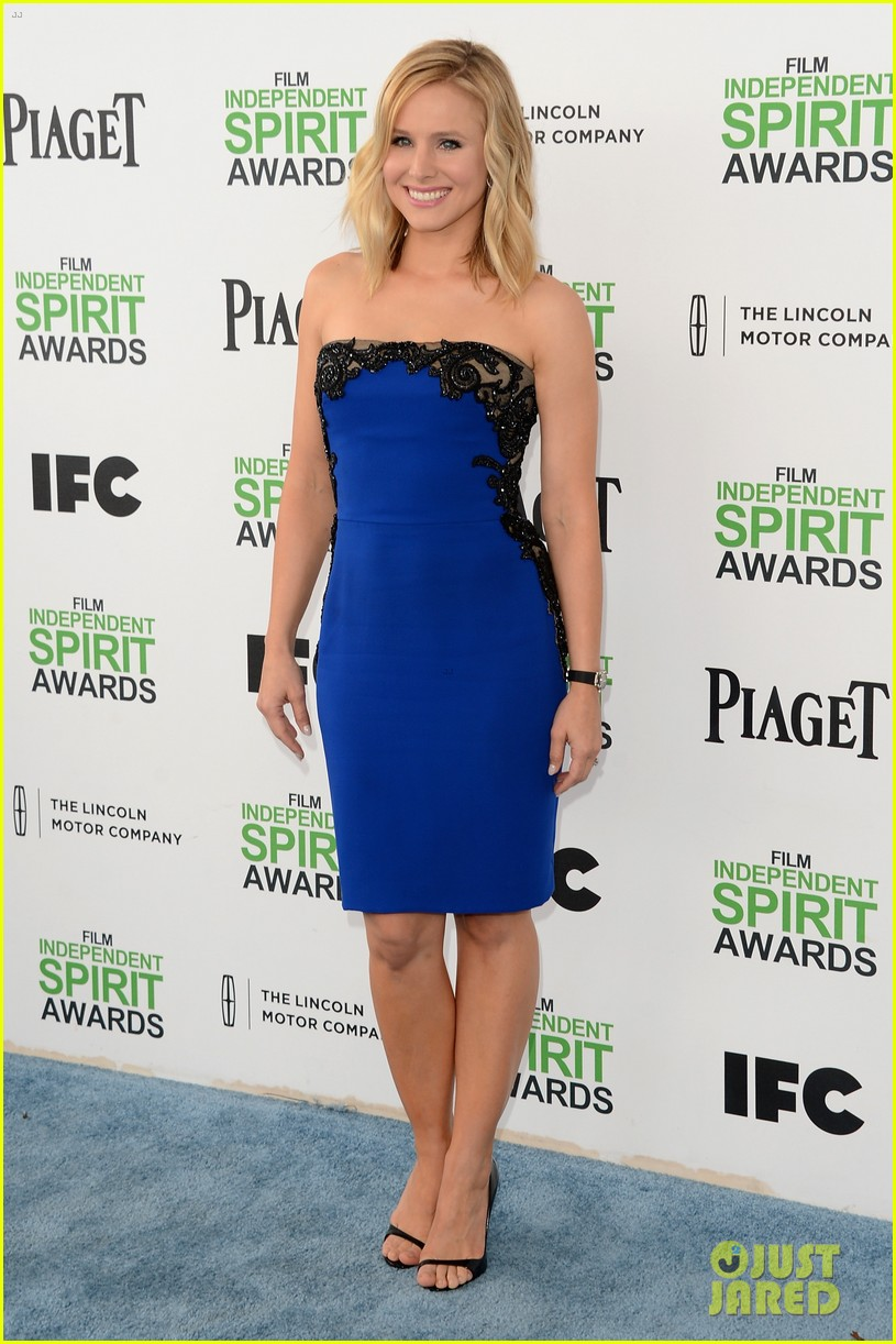 kristen bell dax shepard share cute kiss at independent spirit awards 2014 053062946