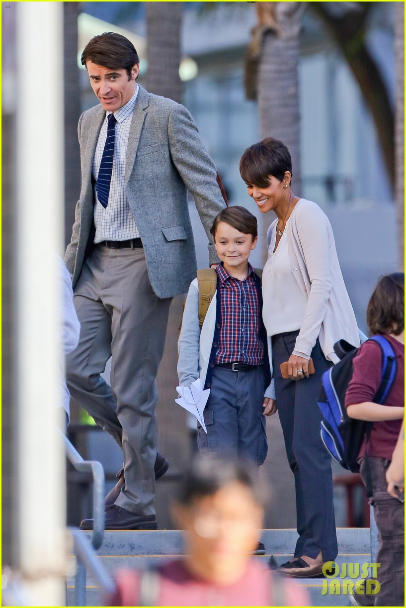 halle berry gets to work on extant 013073738