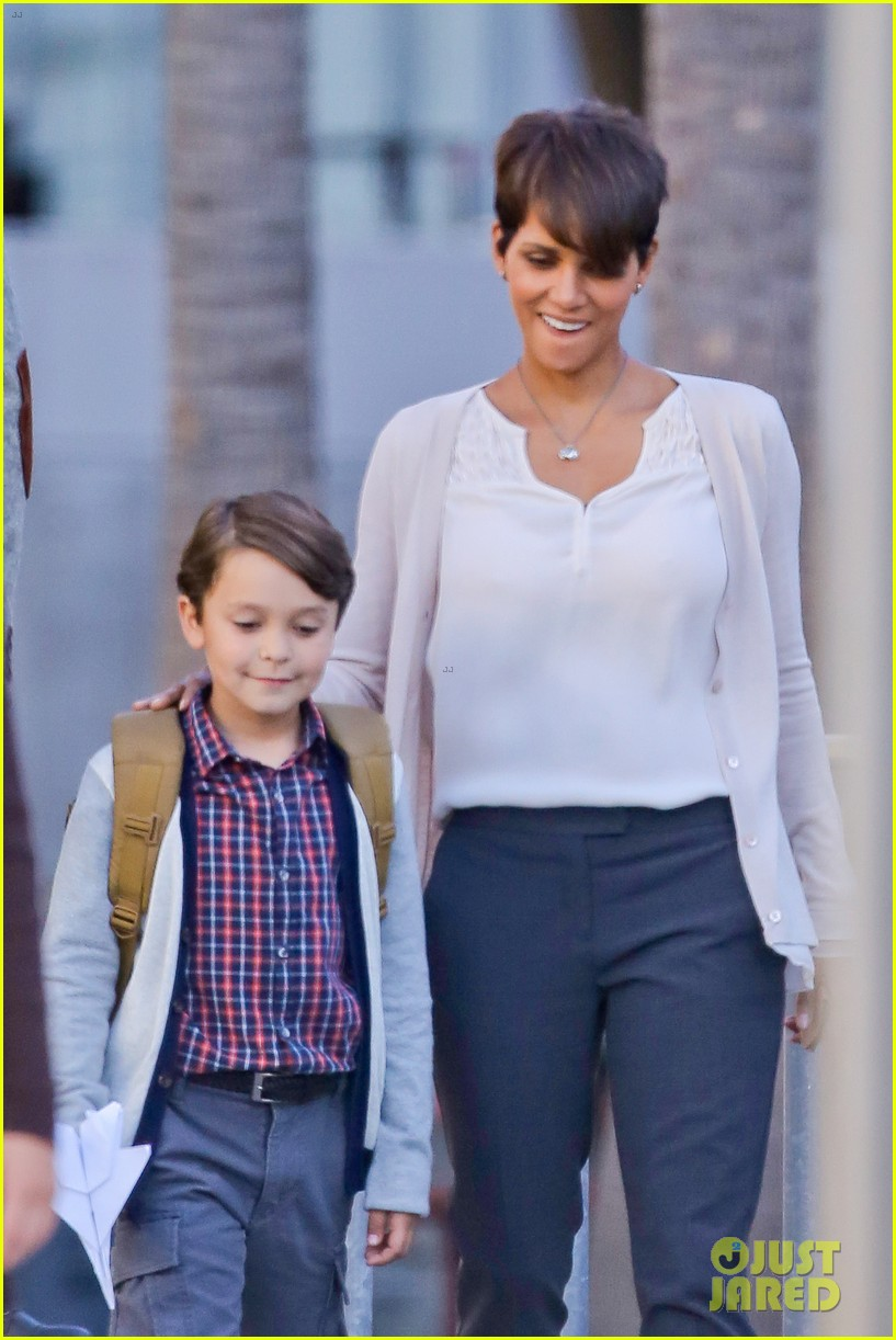 halle berry gets to work on extant 073073744
