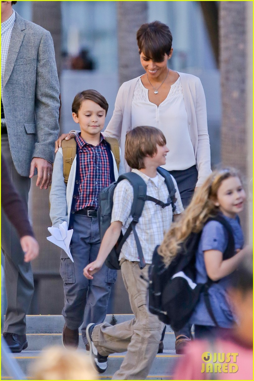 halle berry gets to work on extant 133073750