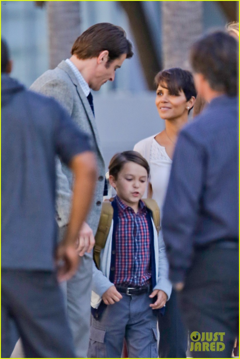 halle berry gets to work on extant 203073757