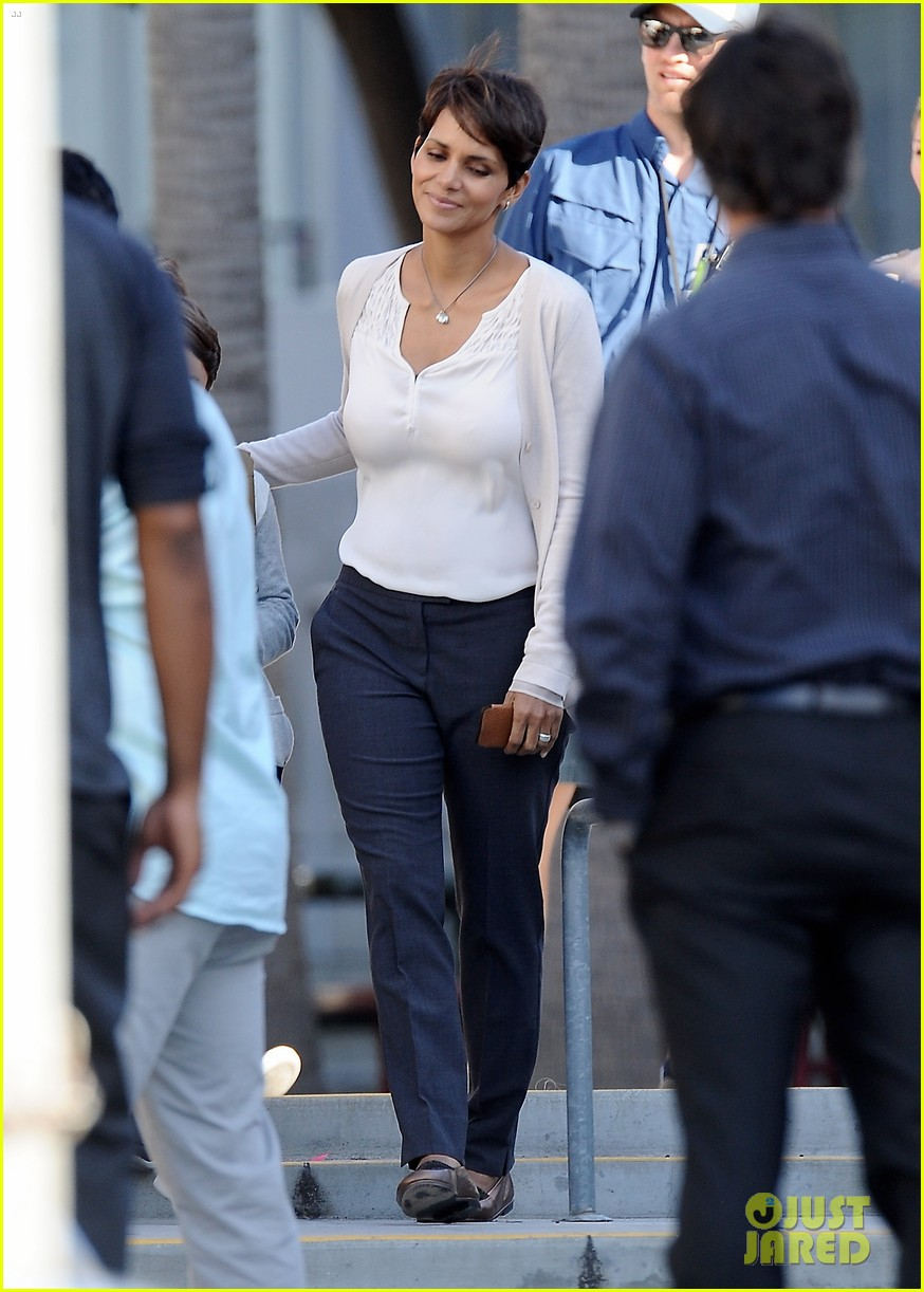 halle berry gets to work on extant 233073760