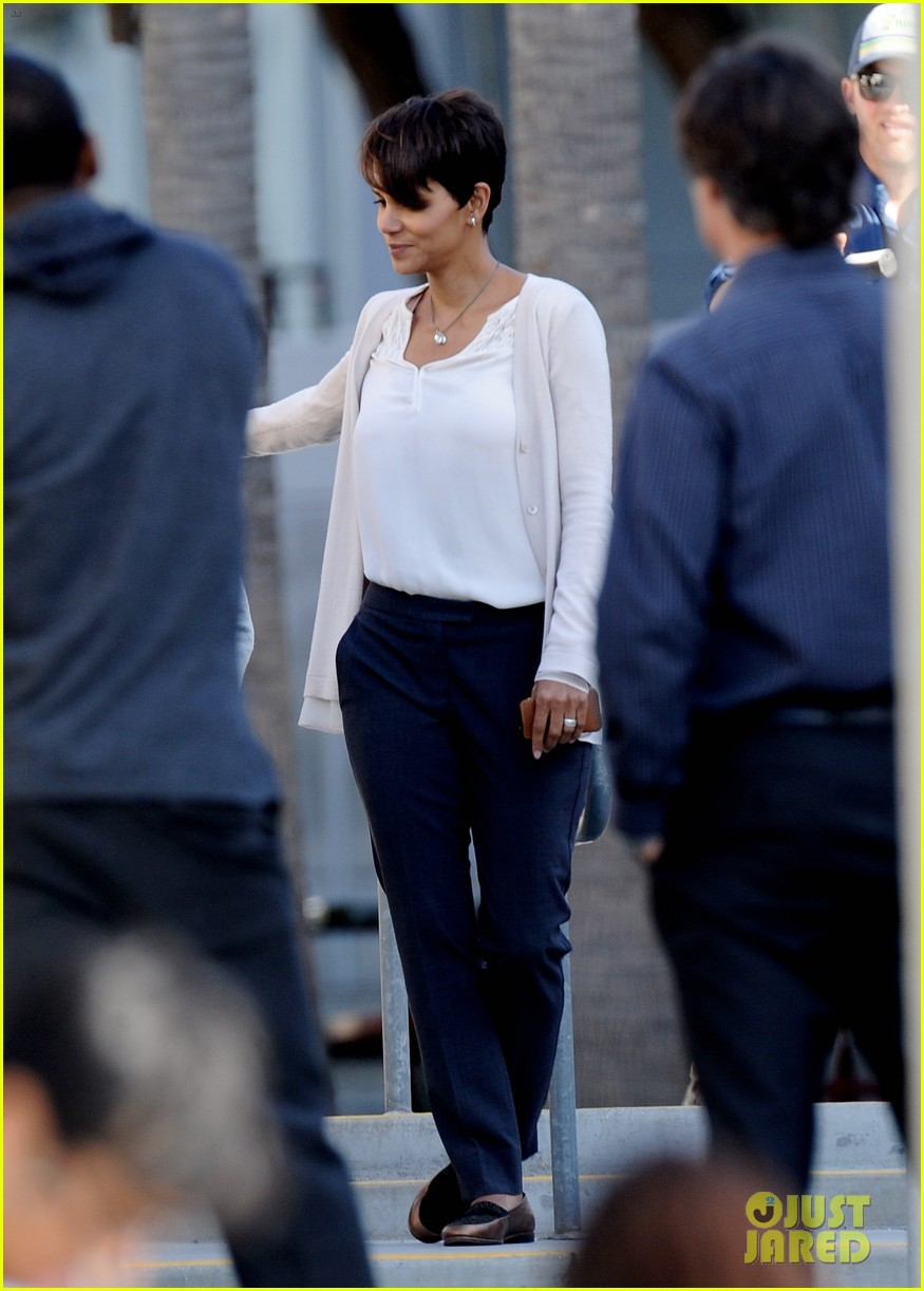 halle berry gets to work on extant 25