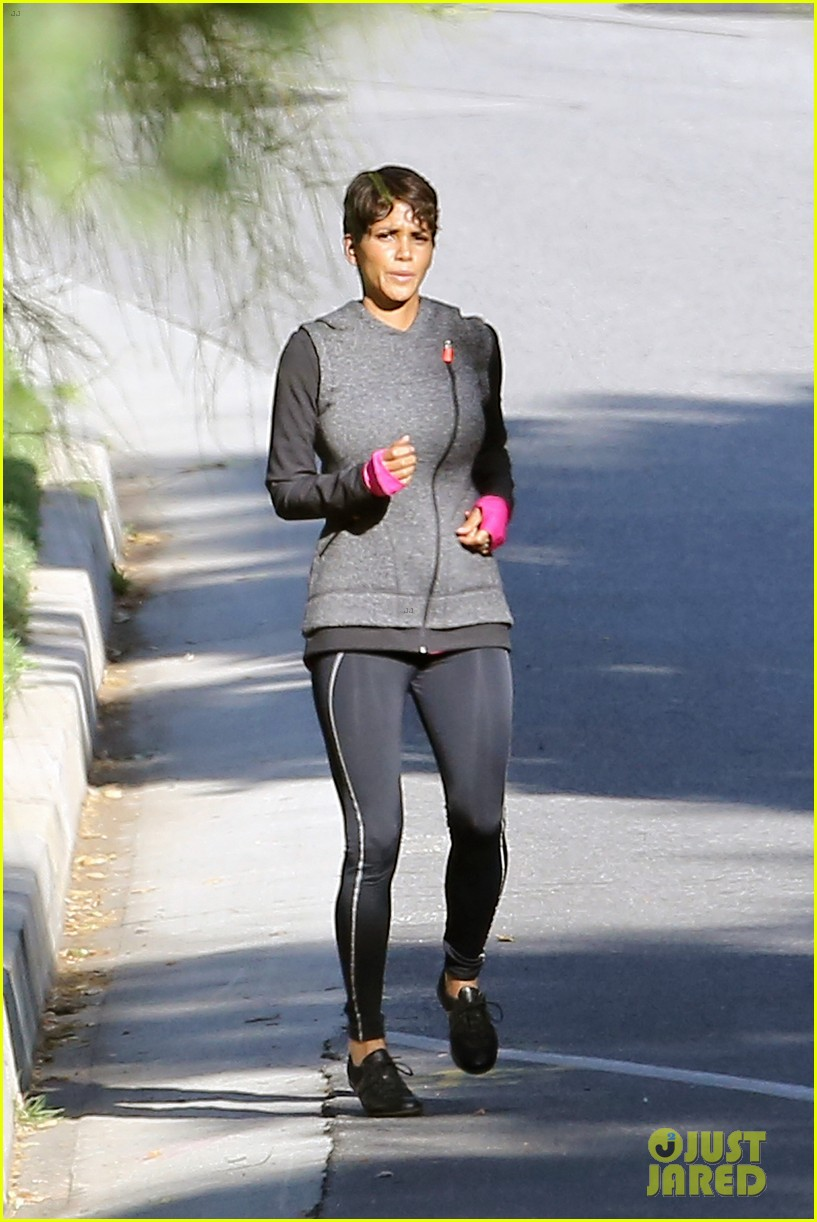 halle berry working out motivation 063075740