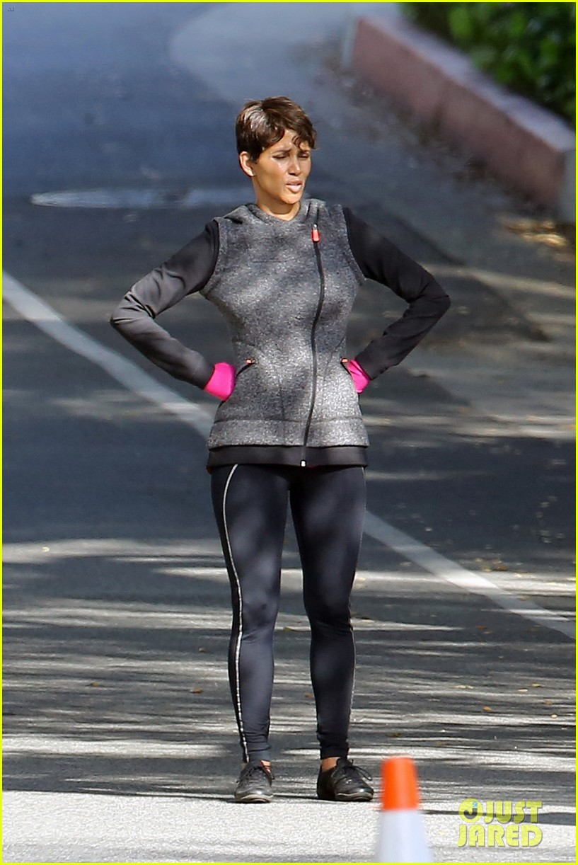 halle berry working out motivation 183075752