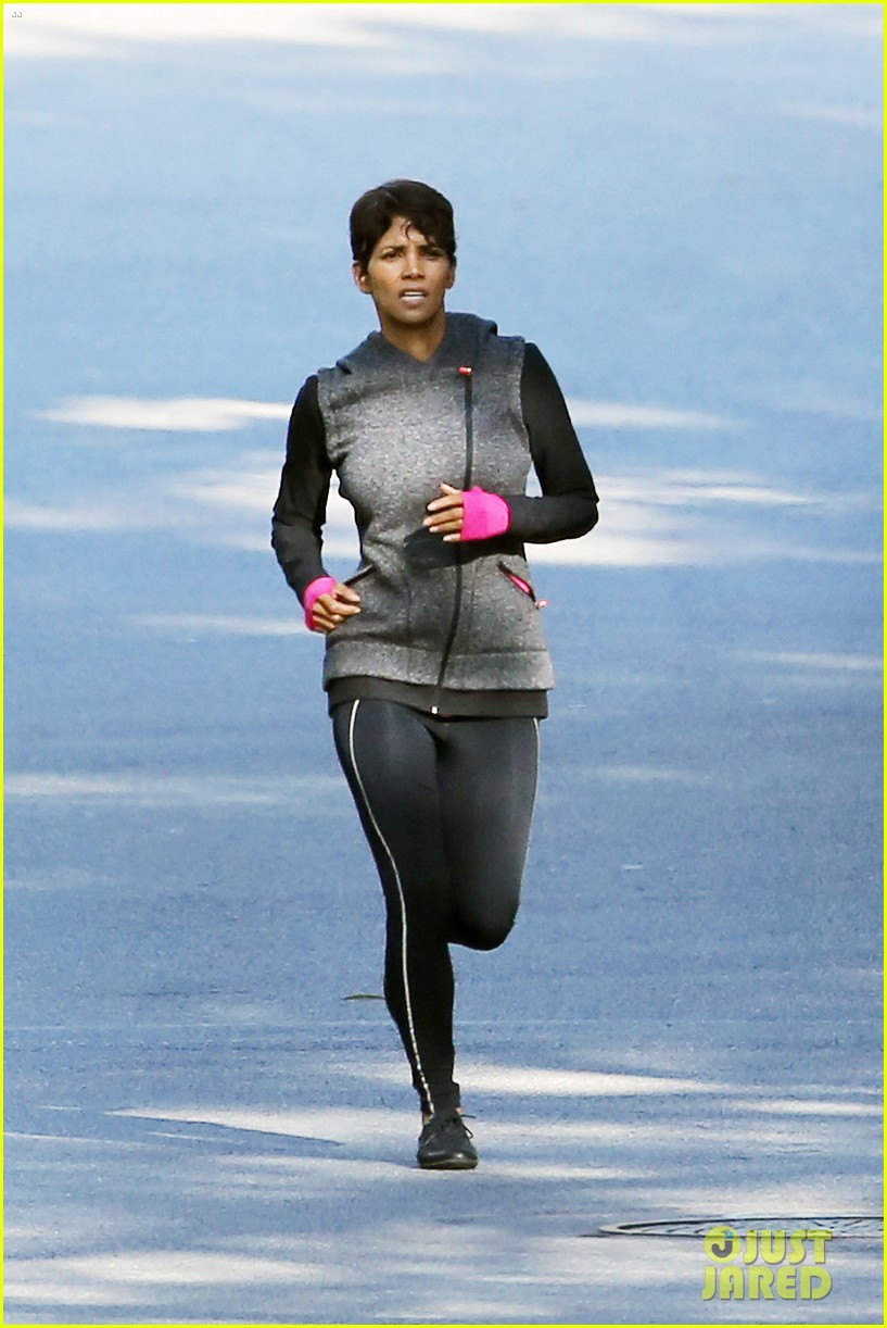 halle berry working out motivation 283075762