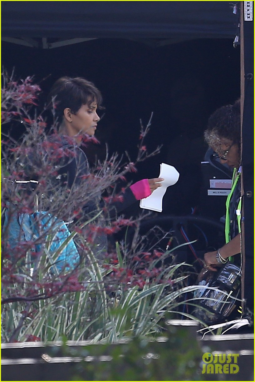 halle berry working out motivation 293075763