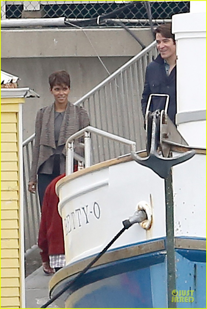 halle berry goran visnjic pda for extant 083078530