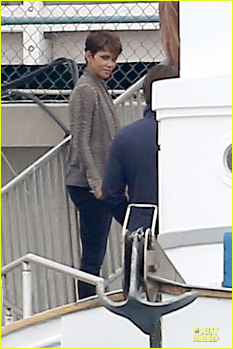 halle berry goran visnjic pda for extant 133078535