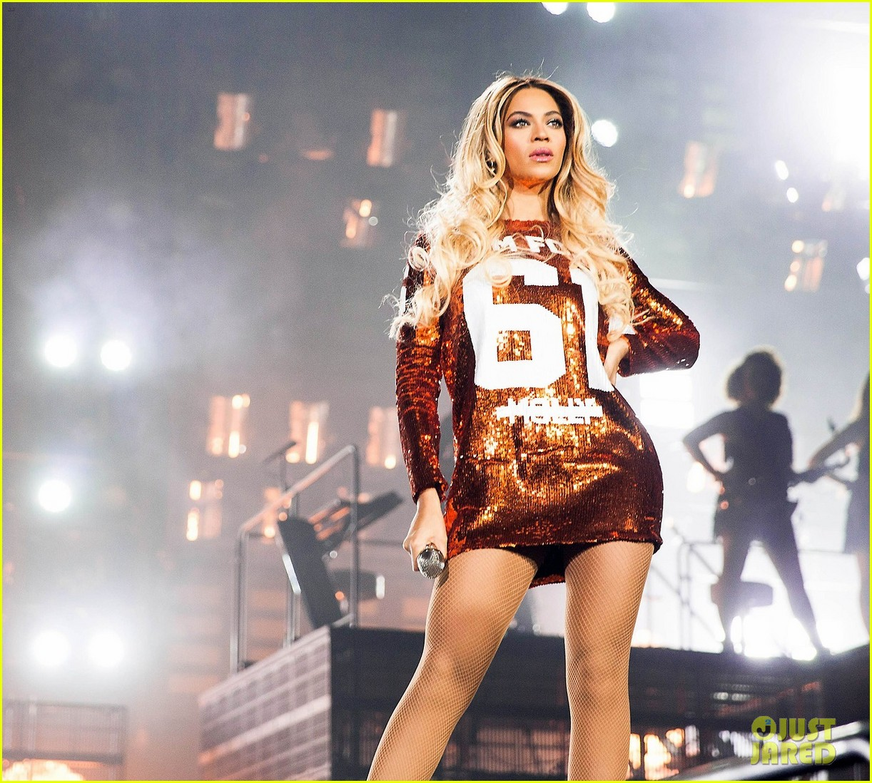 Beyonce Cries on Stage...