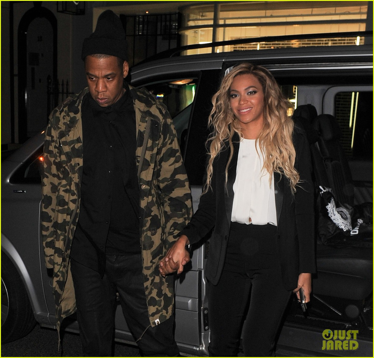 beyonce jay z hold hands after mrs carter show in london 063066727