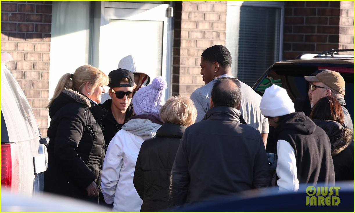 justin bieber works hard at the studio was there over 24 hours 023074043