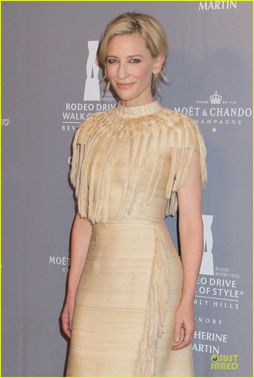 cate blanchett dons two different dresses at rodeo drive awards giorgio armani celebration 023062799