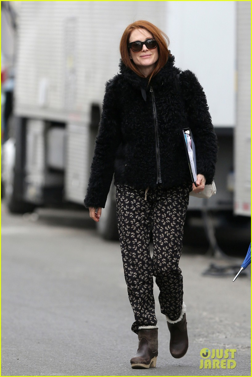 kate bosworth julianne moore dont let the freezing weather stop them on still alice set 093071878