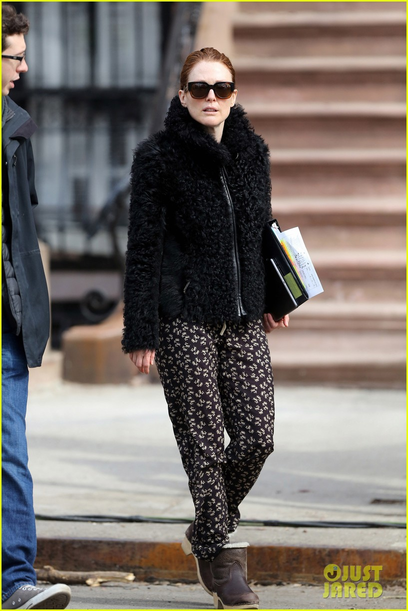 kate bosworth julianne moore dont let the freezing weather stop them on still alice set 113071880