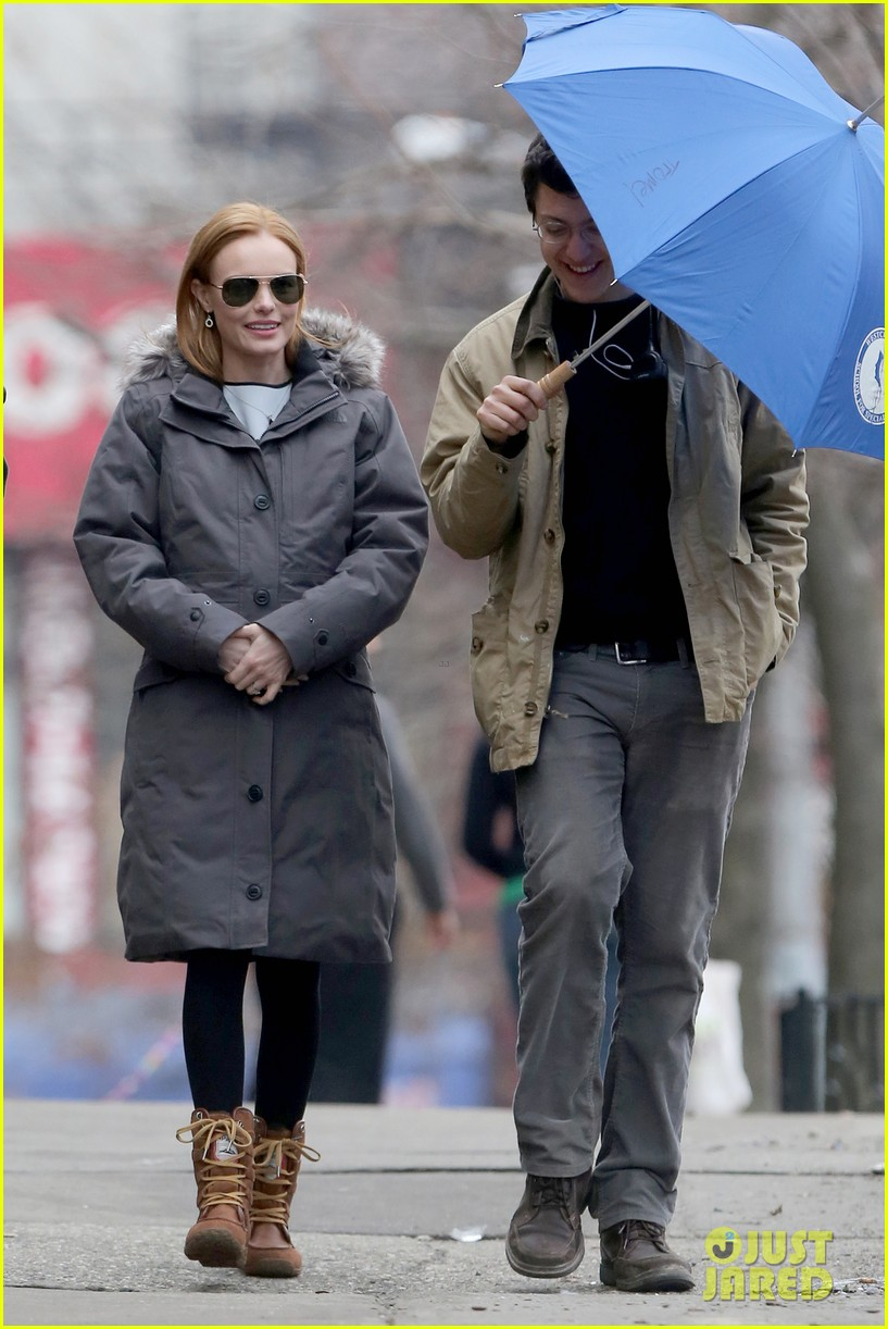 kate bosworth julianne moore dont let the freezing weather stop them on still alice set 143071883