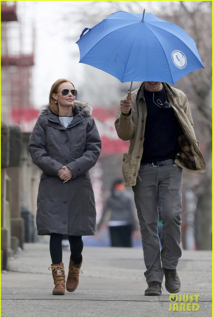 kate bosworth julianne moore dont let the freezing weather stop them on still alice set 153071884