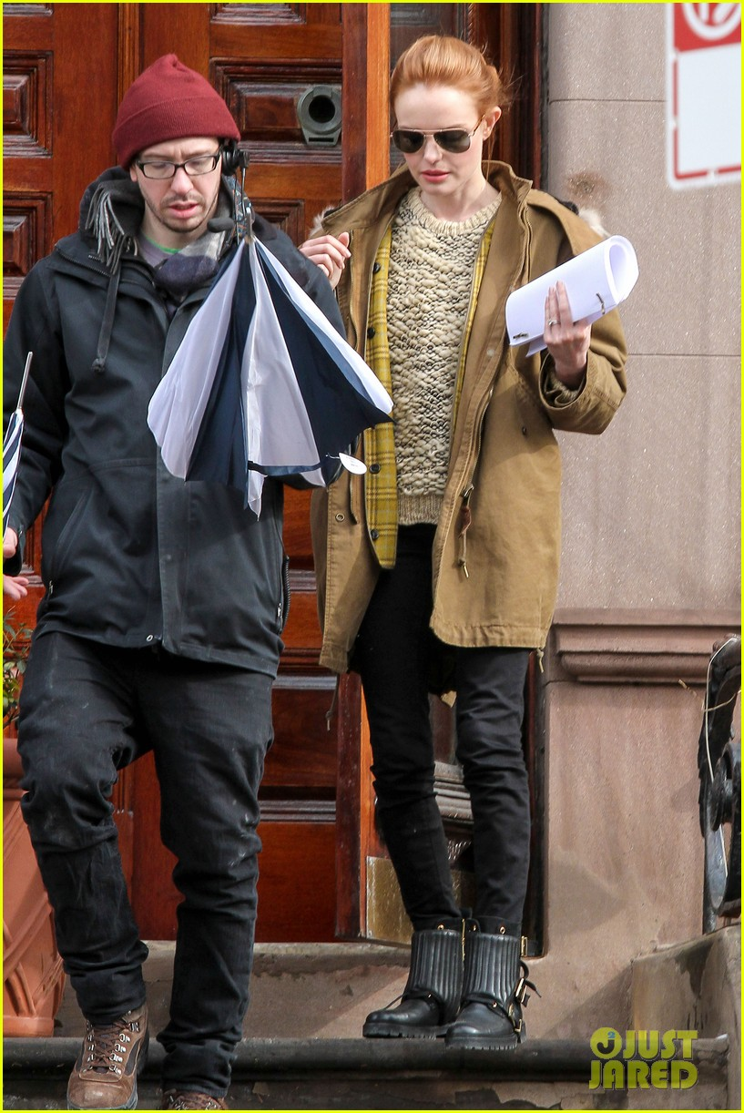 kate bosworth kristen stewart get ready for work on still alice set 013065911