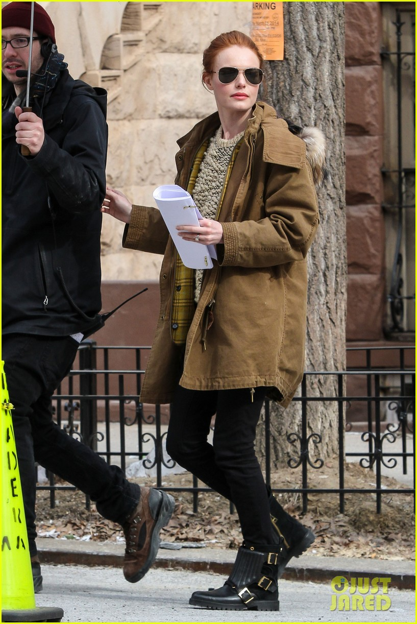 kate bosworth kristen stewart get ready for work on still alice set 12
