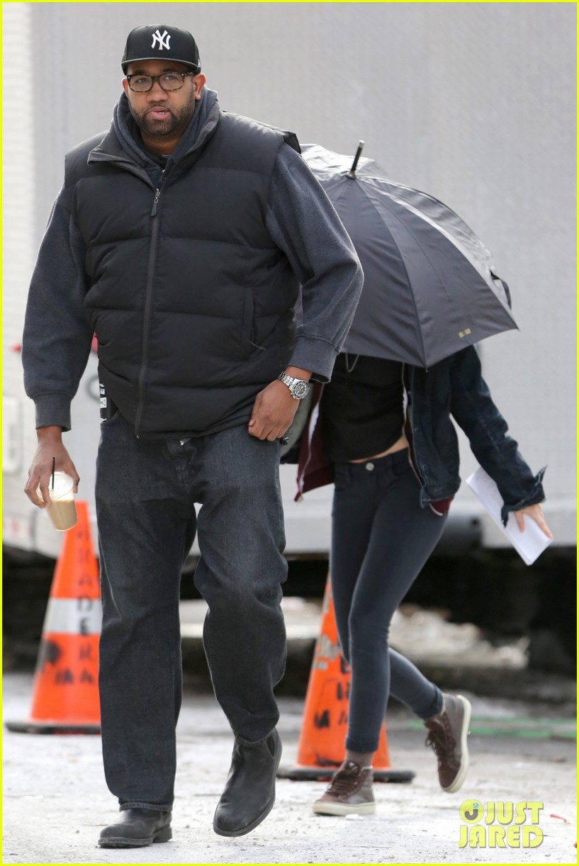 kate bosworth kristen stewart get ready for work on still alice set 263065937