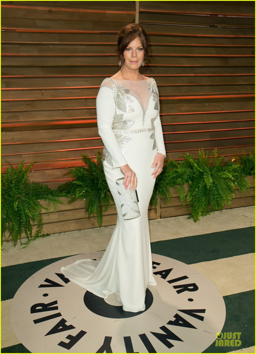 alison brie vanity fair oscars party 2014 203065568