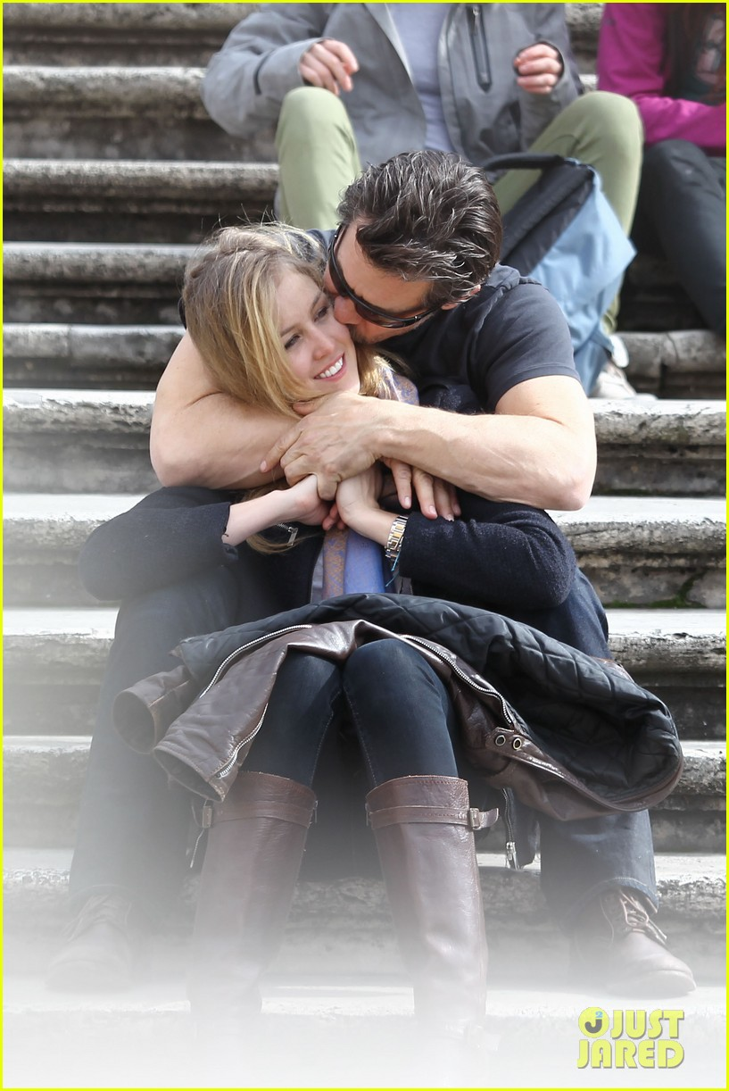 josh brolin kisses cuddles his new girlfriend assistant kathryn boyd 043065860