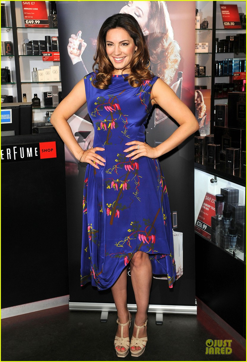 kelly brook audition perfume launch 013074047