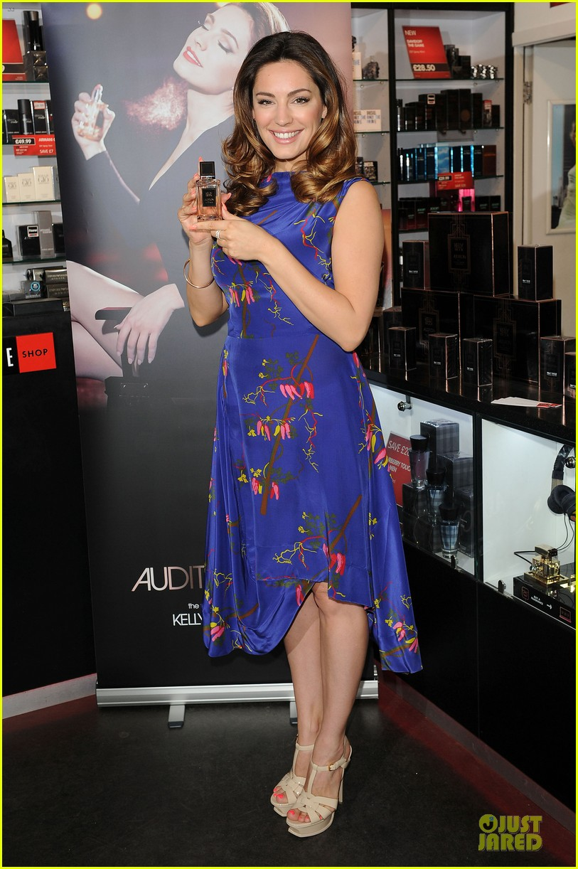 kelly brook audition perfume launch 033074049