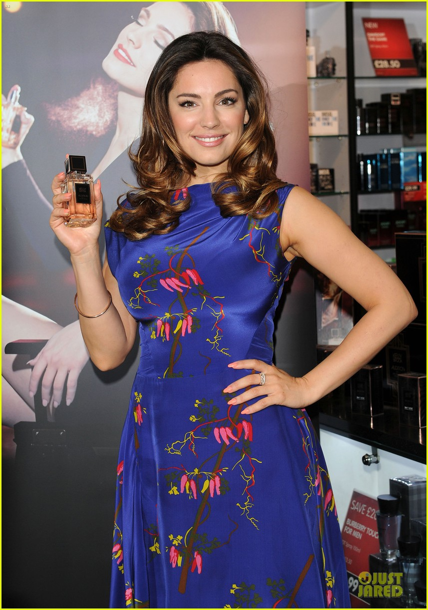 kelly brook audition perfume launch 043074050