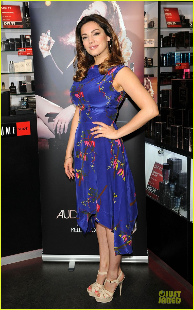 kelly brook audition perfume launch 063074052