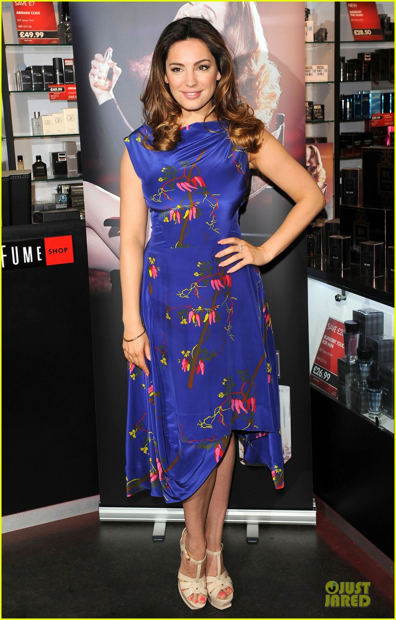 kelly brook audition perfume launch 093074055