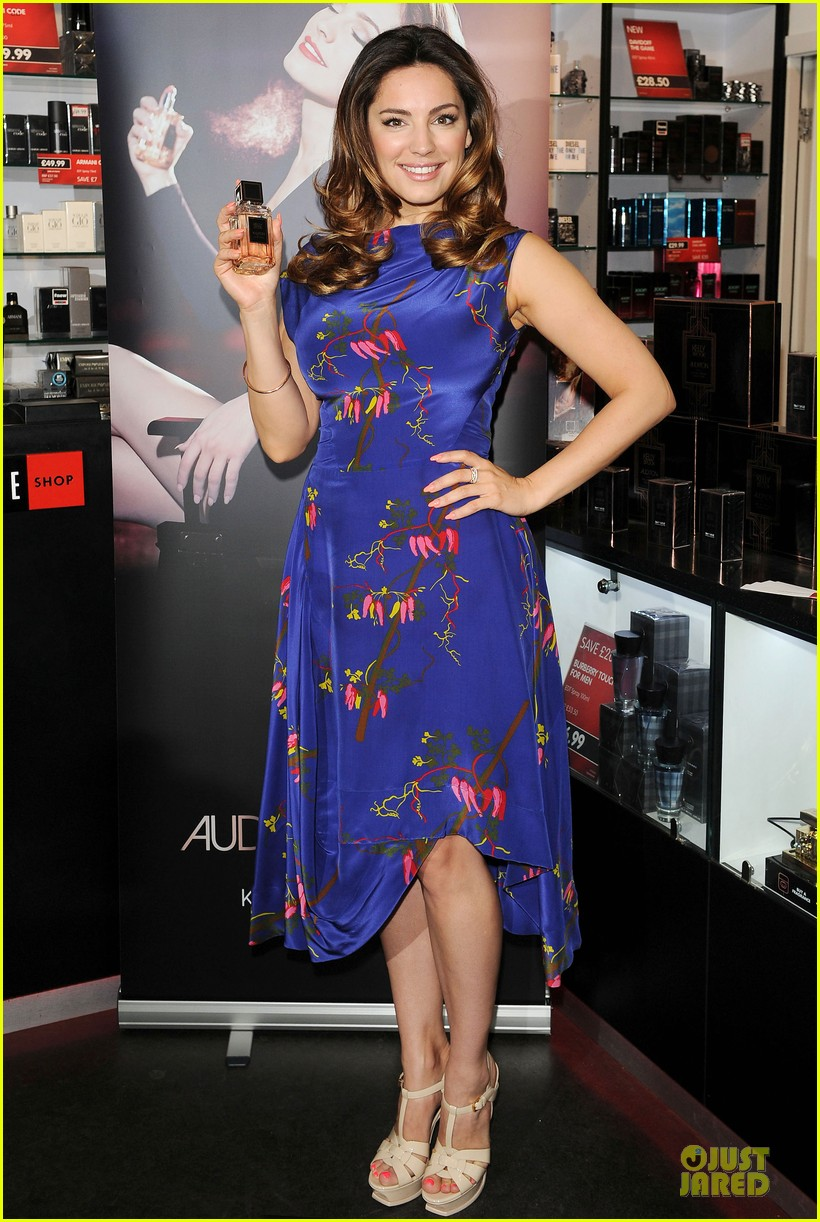 kelly brook audition perfume launch 113074057