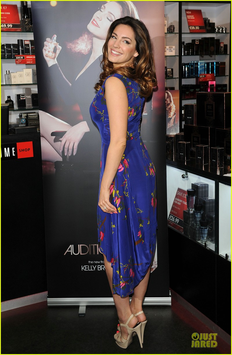 kelly brook audition perfume launch 153074061