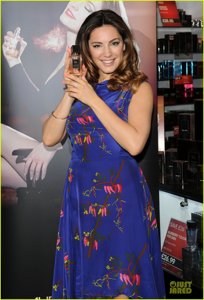 kelly brook audition perfume launch 163074062