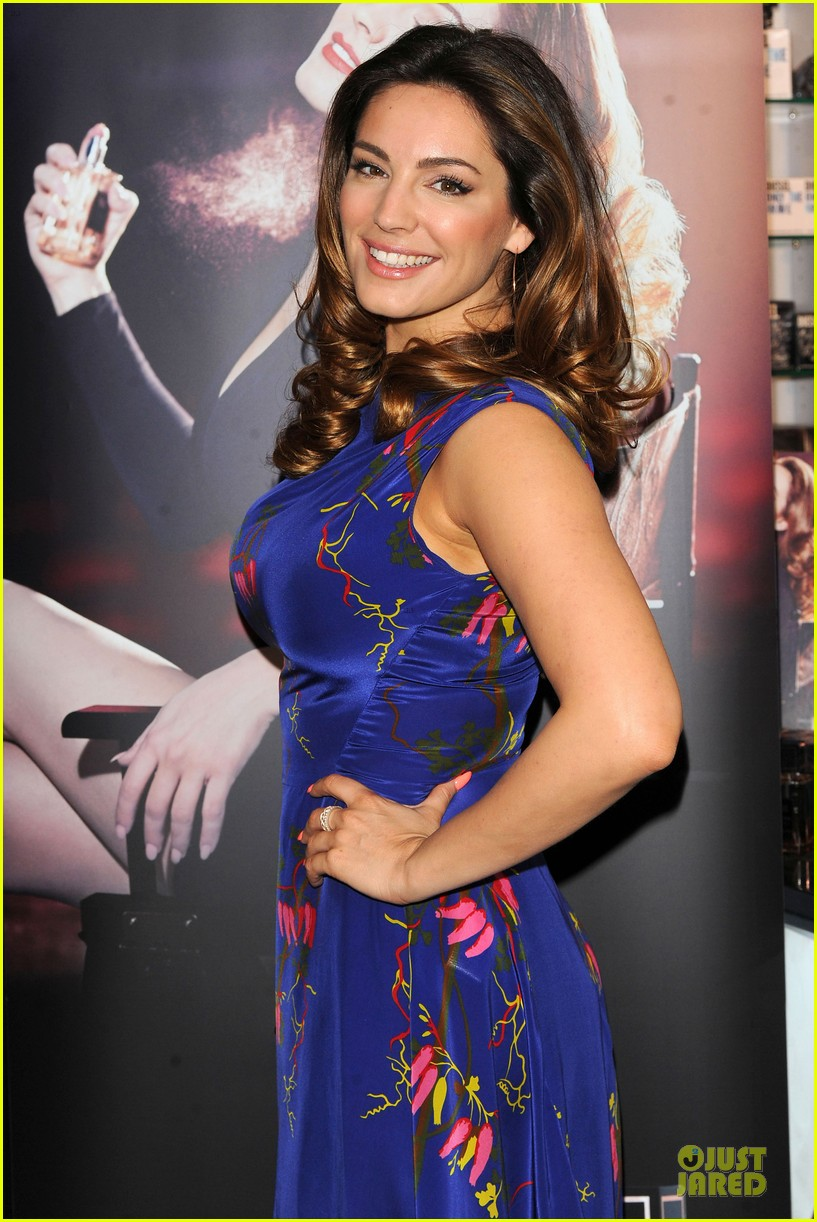 kelly brook audition perfume launch 193074065