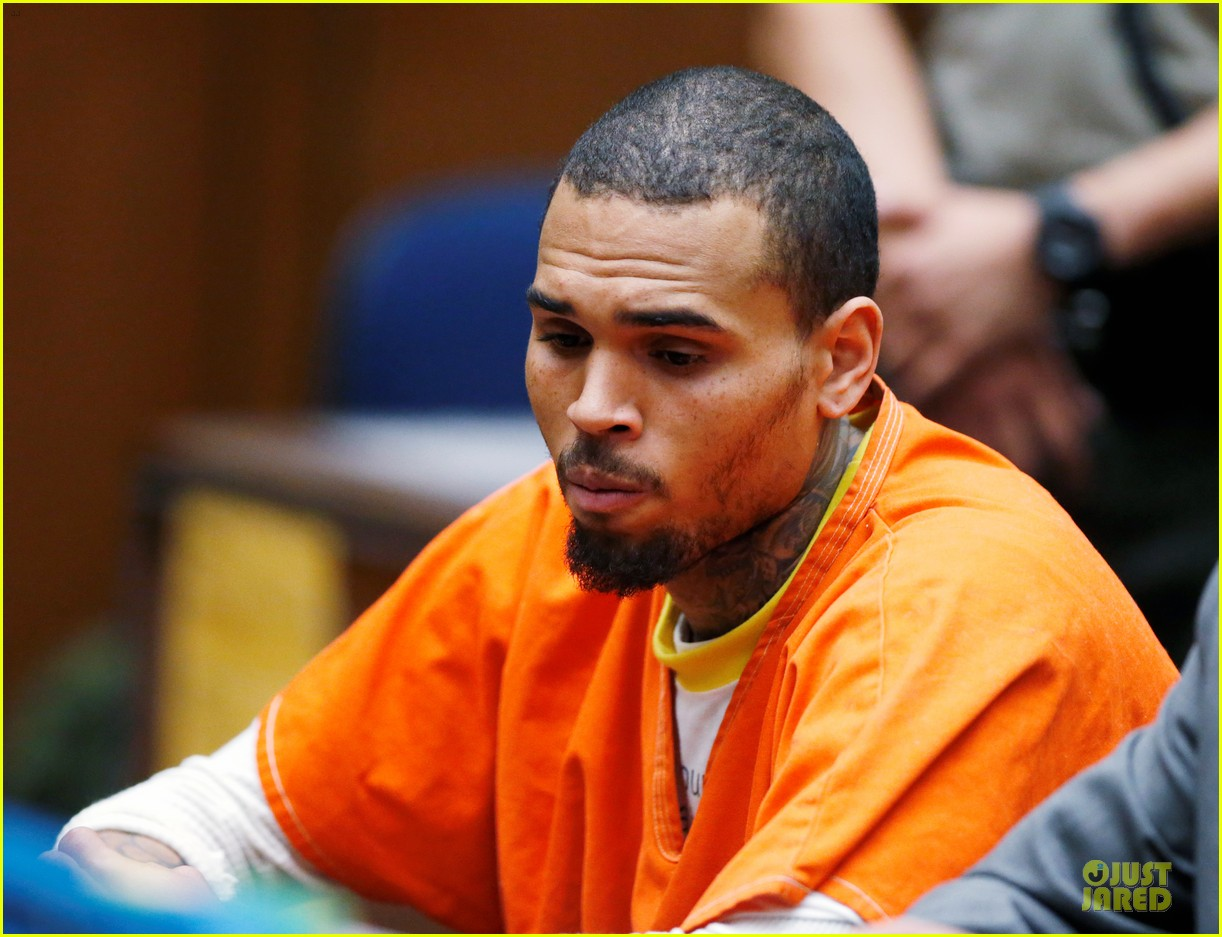 chris brown must stay in jail for one more month 05