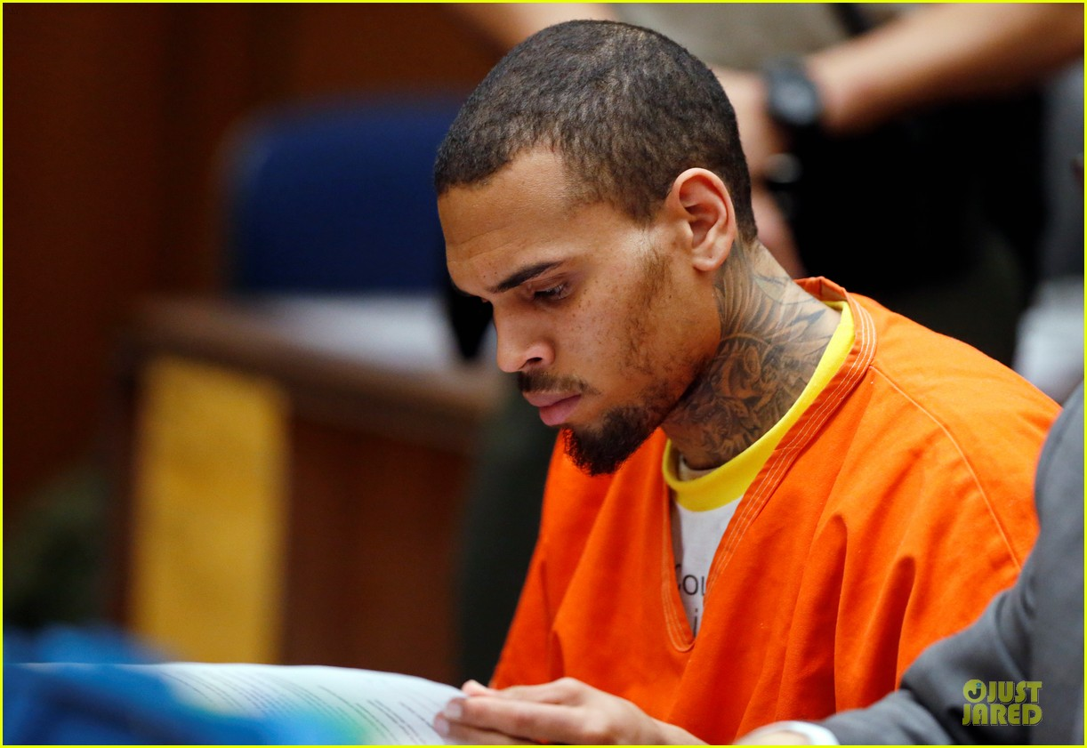 chris brown must stay in jail for one more month 063073596