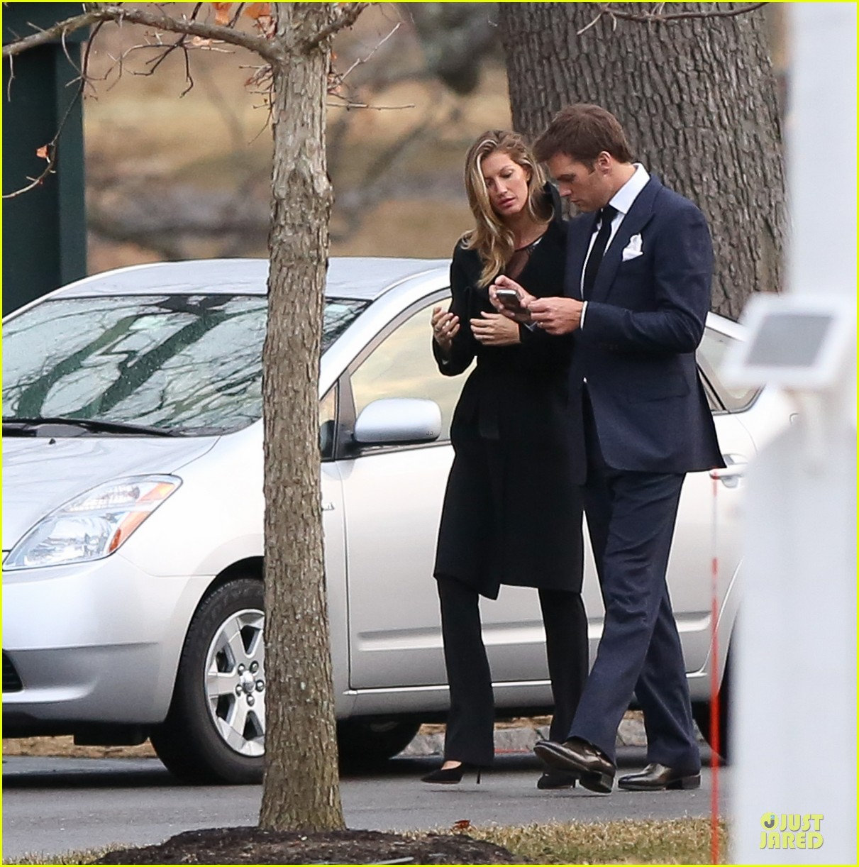 gisele bundchen tom brady dressed for date night 01
